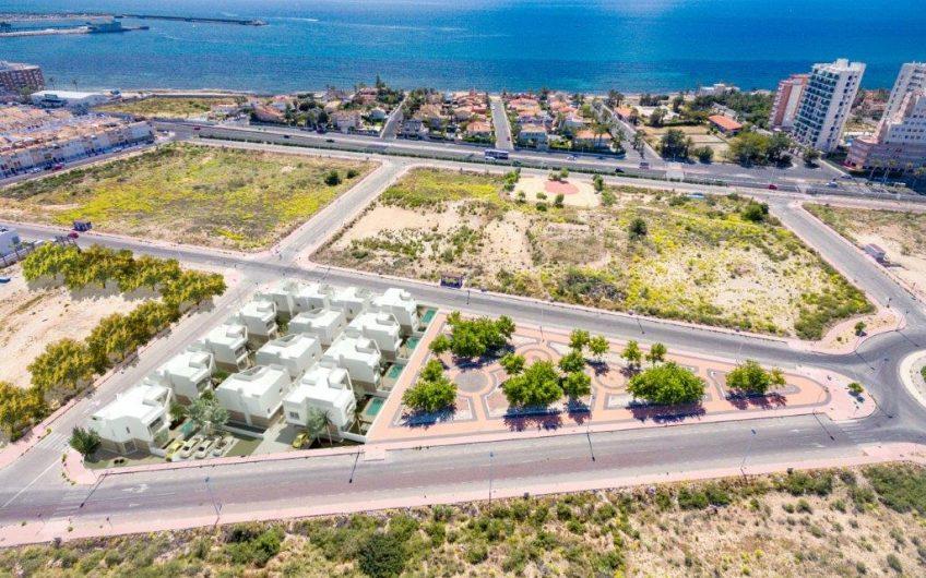 Moderne villaer med privat basseng i Torrevieja. 300 meter fra havet