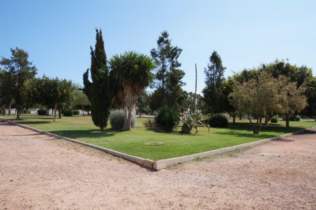 Fin toppleilighet i Altos de la Bahia med havutsikt og privat takterrasse.