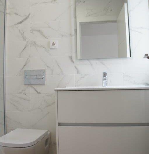 *SOLGT* Utrolig fin nyrenovert leilighet i Torrevieja med havutsikt, kun 100 meter fra havet.