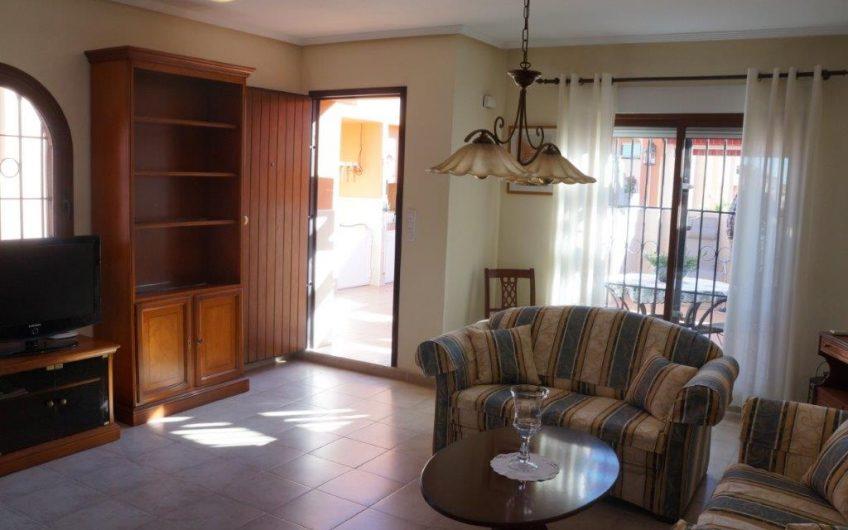Kjempefin toppleilighet med en stor terrasse i flott område.