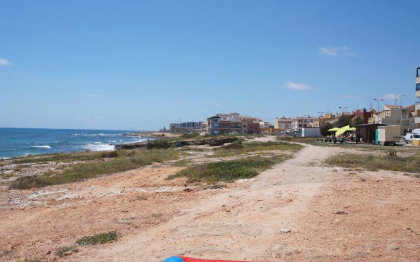 Fin hjørneleilighet et steinkast fra Middelhavet på La Veleta i Torrevieja.