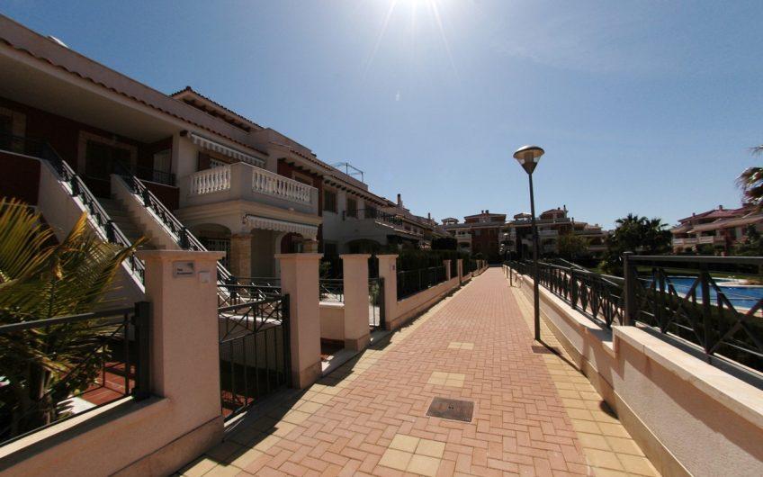 *SOLGT* Kjempefin bolig i Zeniamar, Playa Flamenca med felles svømmebasseng og gym