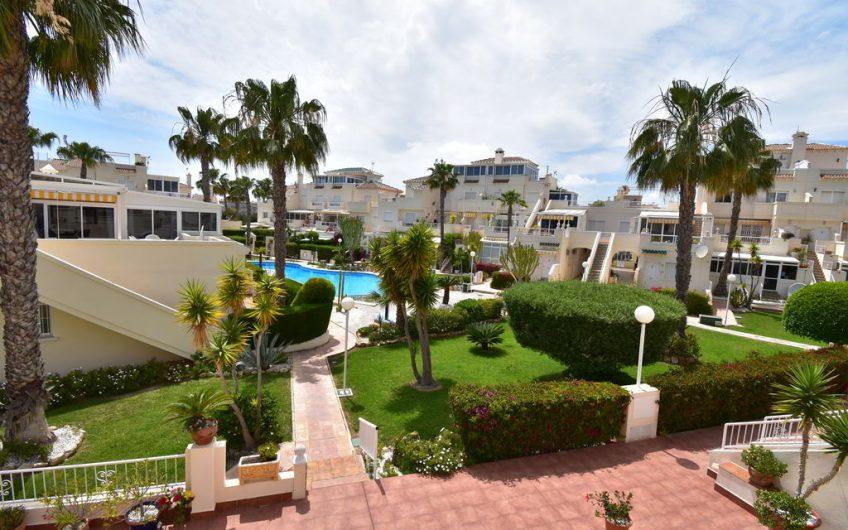 *SOLGT* Flott leilighet med privat takterrasse med havutsikt på Playa Flamenca
