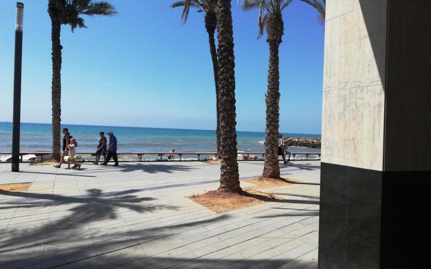 Playa del Cura, Torrevieja. Leilighet på strandpromenaden med fantastisk utsikt.