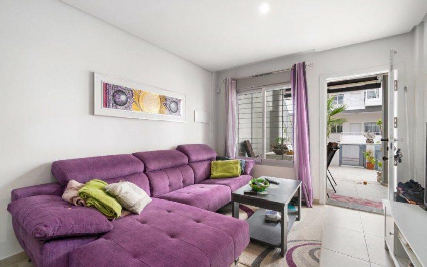 *RESERVERT* Kjempefin leilighet på La Florida. Møblert, stor uteplass, felles bassengområde.