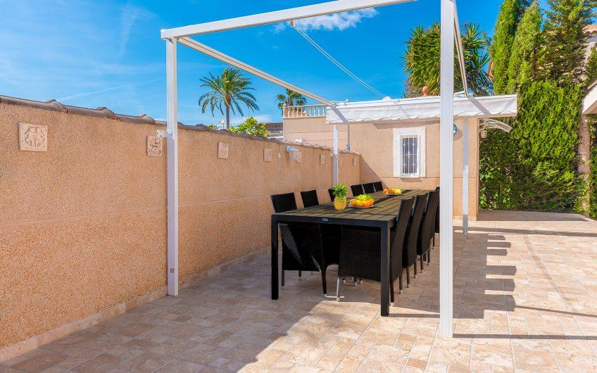 Los Balcones. Fin villa med 4 soverom og privat svømmebasseng