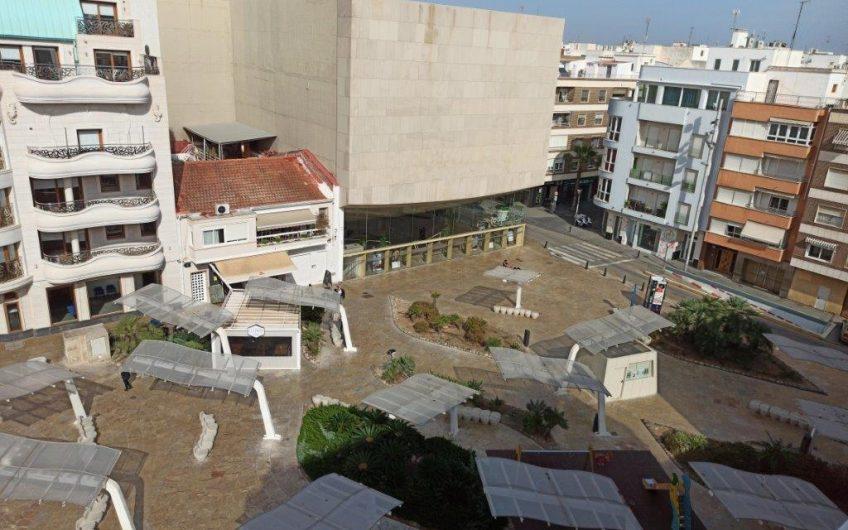 Torrevieja. Penthouse med havutsikt ved Teaterplassen.