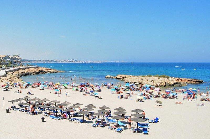 Flamenca Village. Utrolig flott prosjekt i hjertet av Playa Flamenca. Nære havet og Zenia Boulevard.