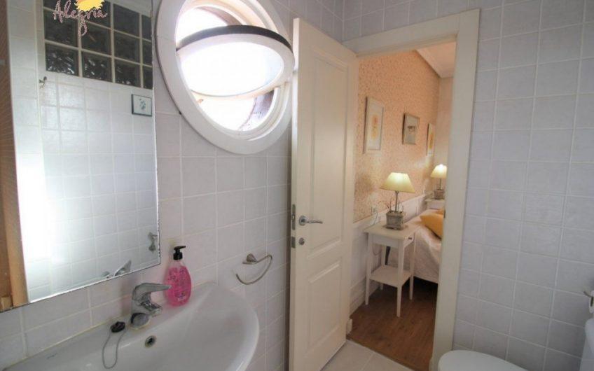 *SOLGT* Torrevieja- Kanon fin Penthouse i Los Frutales/ La Rosaleda med 70 m2 terrasse. 400 meter til havet.