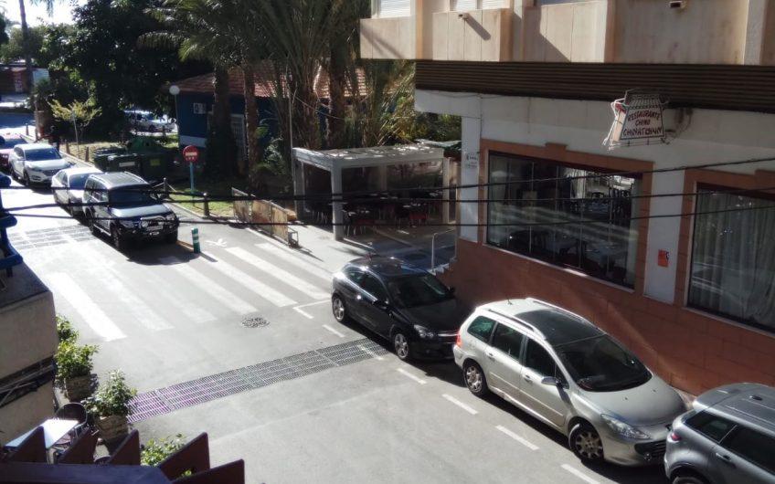 Nyrenovert leilighet midt i Torrevieja sentrum like ved strandpromenaden.