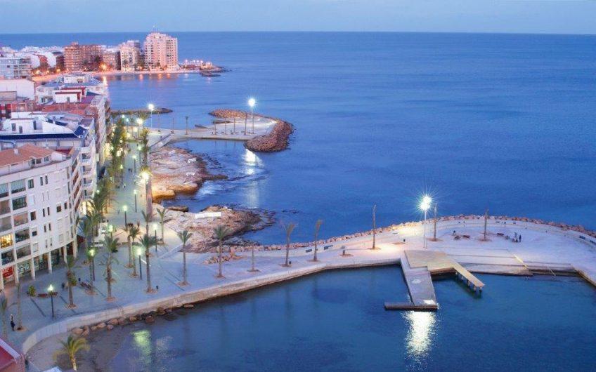 *RESERVERT* Nydelig toppleilighet 100 meter fra Playa del Cura i Torrevieja.