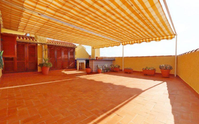 Penthouse i Residencial Viñamar III på La Mata. Stor terrasse. Rett ved stranden.