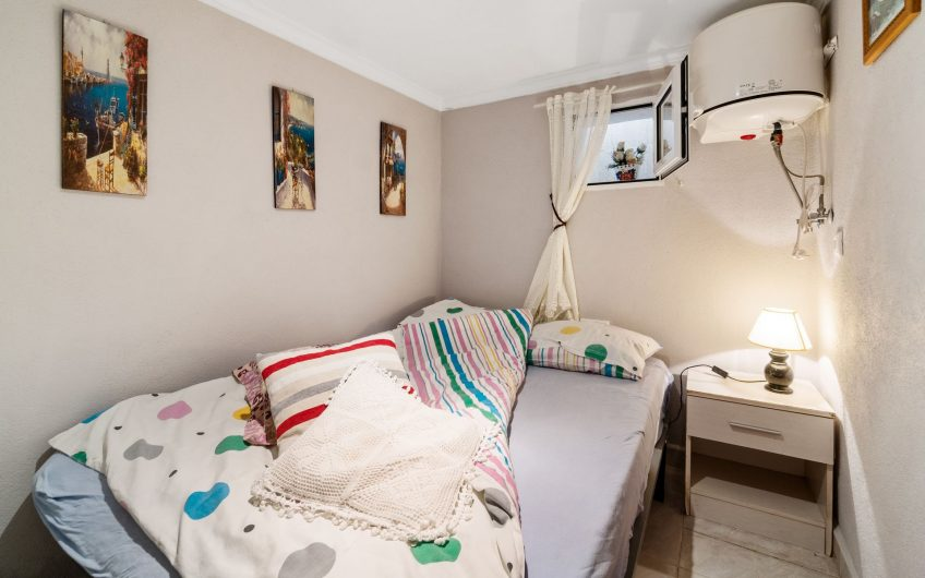*SOLGT* Torrevieja- Kjempefint hus i Los Frutales med privat basseng, kjeller og takterrasse med havutsikt.