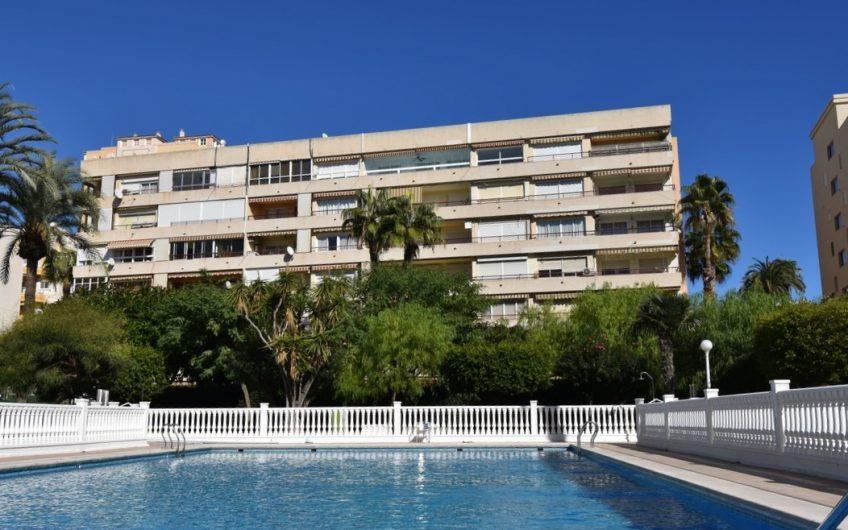 *RESERVERT* Fin Leilighet i El Palmeral – Playa de los Locos med stor terrasse og herlig utsikt over parken, stranden og havet.