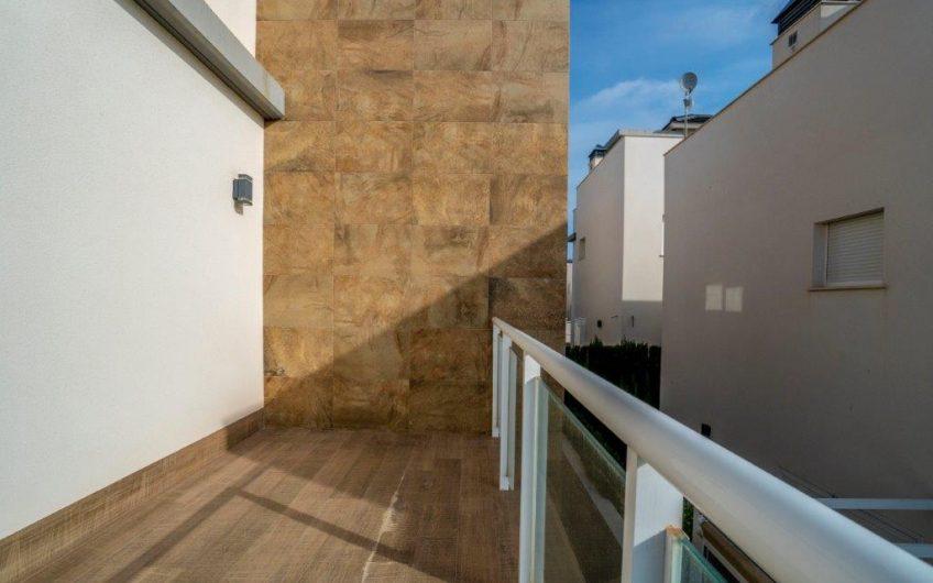 Lekker villa i eksklusivt område. Gangavstand til Torrevieja sentrum og stranden.