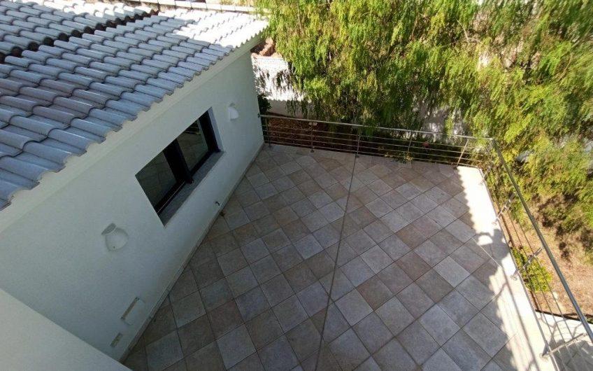 Luksusvilla i Villamartín, 300 meter fra Golfbanen. 9 soverom og 5 bad.
