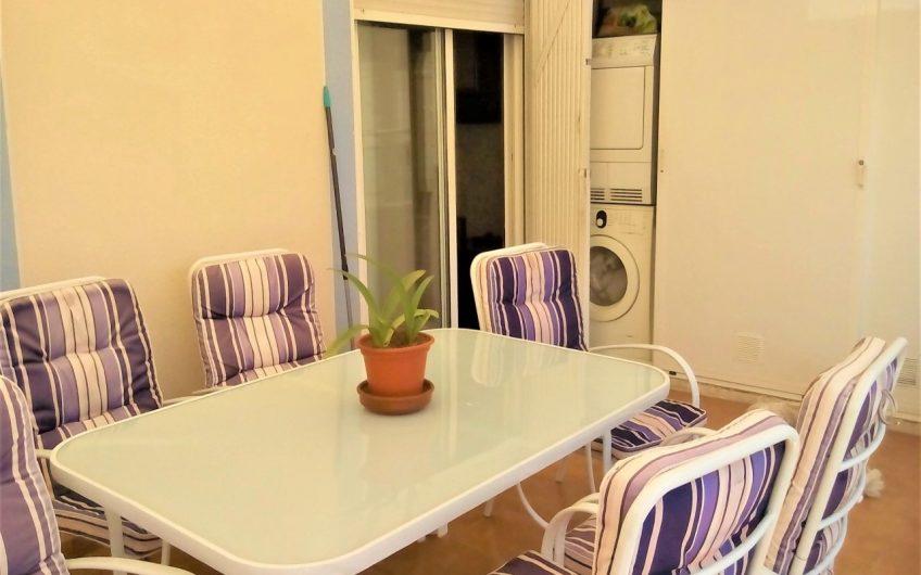 Kjempefin nyrenovert leilighet i Torrevieja med sydvendt terrasse.