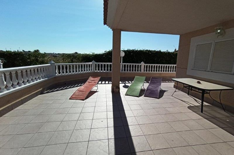 Knallfin renovert Duplex i Zeniamar – Playa Flamenca