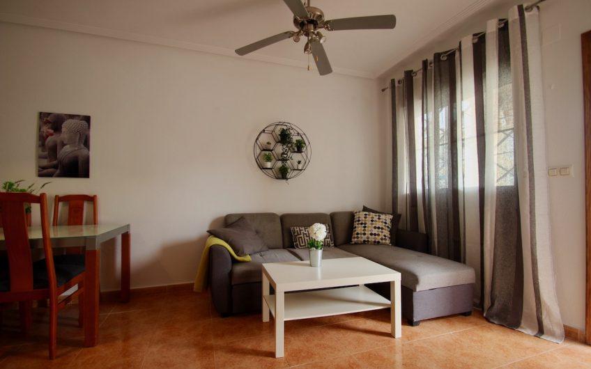 Fin bungalow med 2 soverom på bakkeplan i Res. Baños de Europa