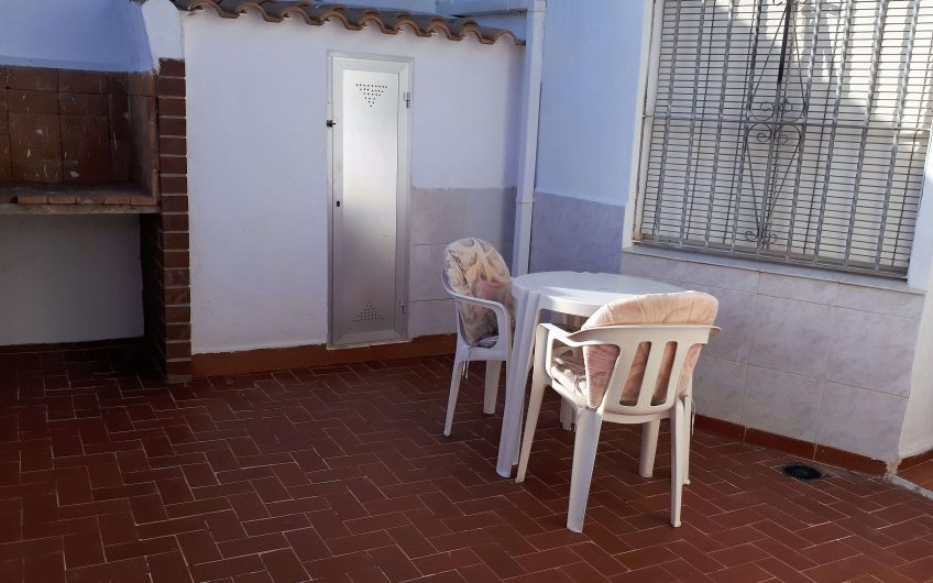 Duplex leilighet på Plaza del Sol. Terrasse og takterrasse. Felles bassengområde.