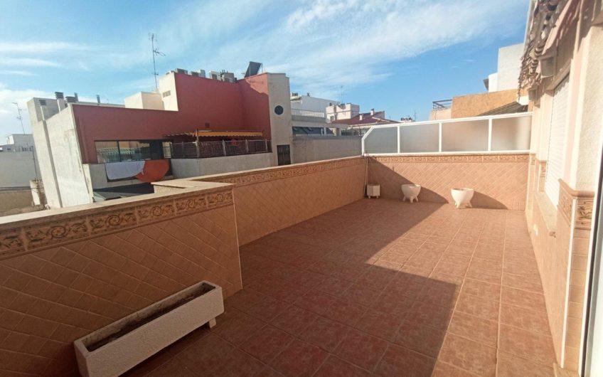 Fin sydvendt Penthouse midt i Torrevieja sentrum