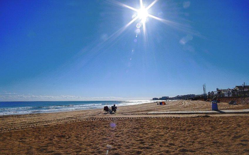 Leilighet på Aldea del Mar ved Los Locos stranden.