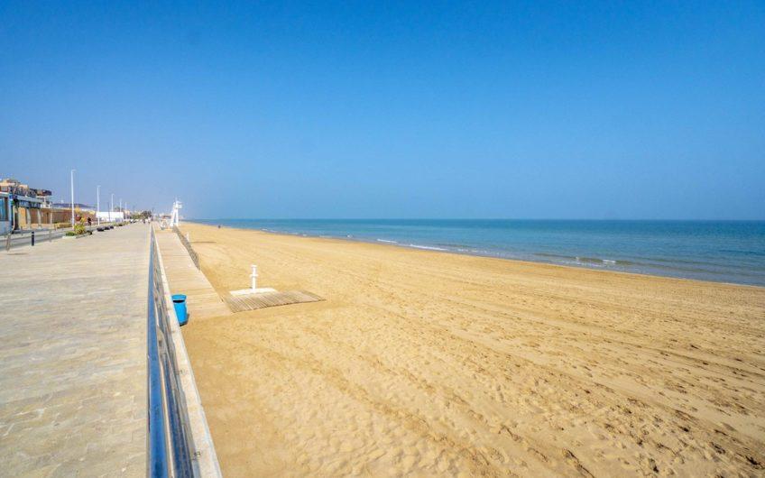 Leilighet første linje på La Mata stranden.