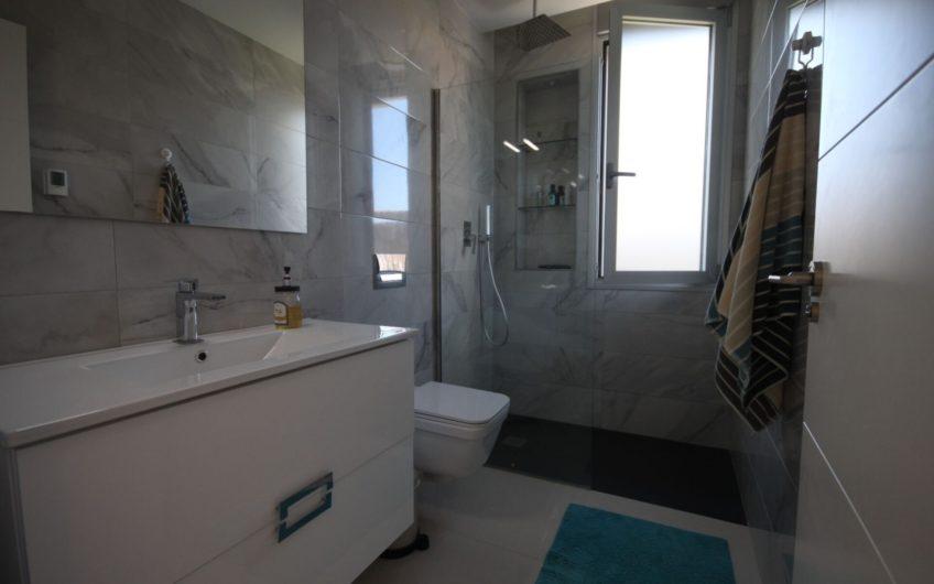 Torrevieja- Ny og moderne villa med privat basseng, takterrasse i El Chaparral (La Siesta)